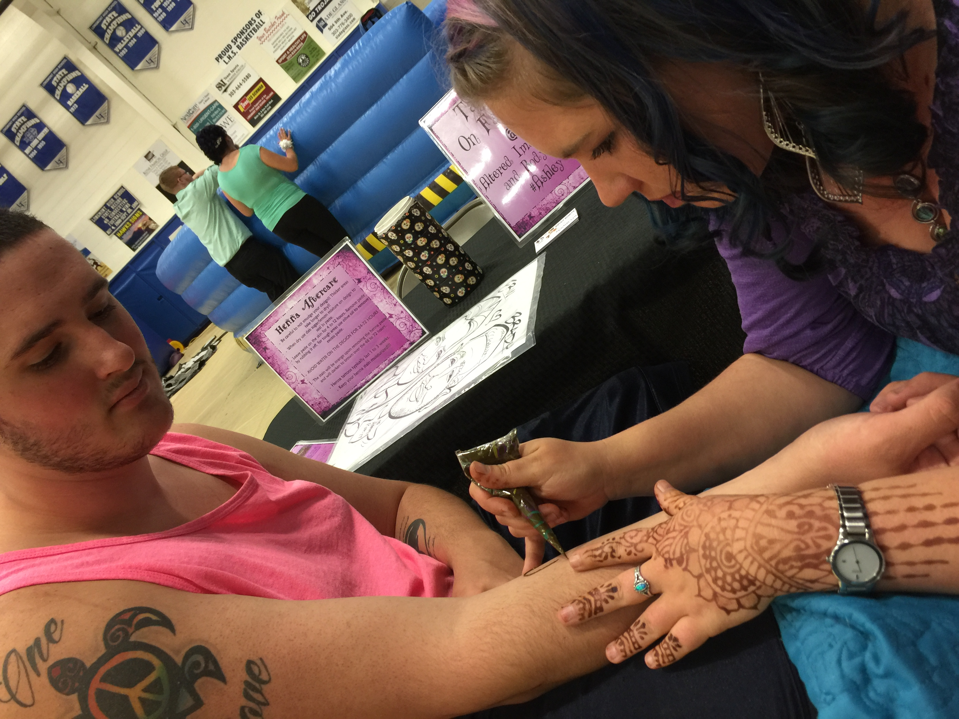 Henna Tattoos or Airbrush Tattoos For TX Parties & Events